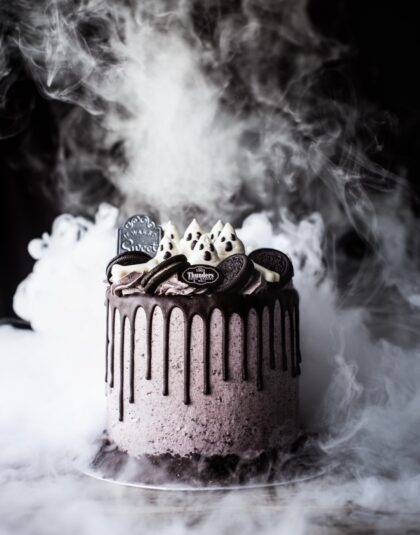 Thundes Halloween Oreo Drip Cake