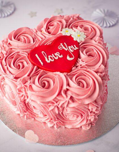 Valentines Rose Heart Cake