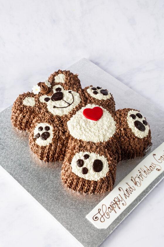 Thunders 'Snuggles' Teddy Bear cake