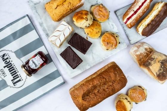 Thunders Fresh Bread Cake Scones Hamper